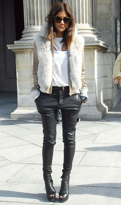 0a5cb78cbad4db3c22382b9846d8a0c3--leather-trousers-black-leather-pants